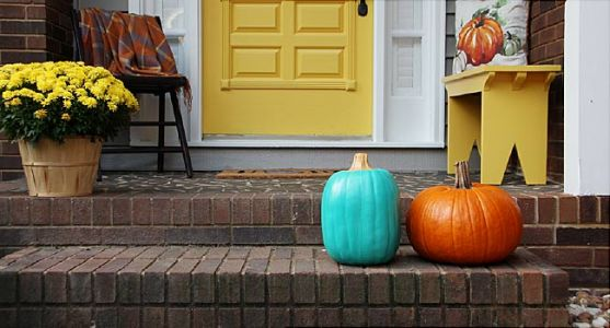 Teal Pumpkins Mark Allergy Safe Halloween Stops