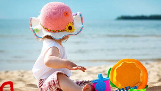 How to keep a baby under six months old safe from the sun