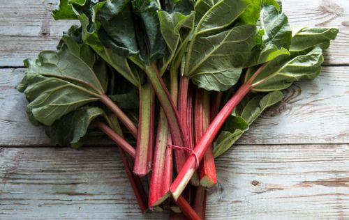 Rhubarb can destroy cancer cells