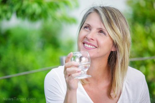 Drink more water: This simple and holistic advice is the best way to optimize urological health