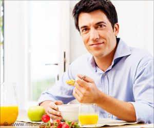Easy Weight Loss Trick: Eating a Big Breakfast may Burn More Calories