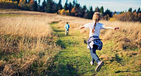 The Power of Play: How Time Outside Helps Kids