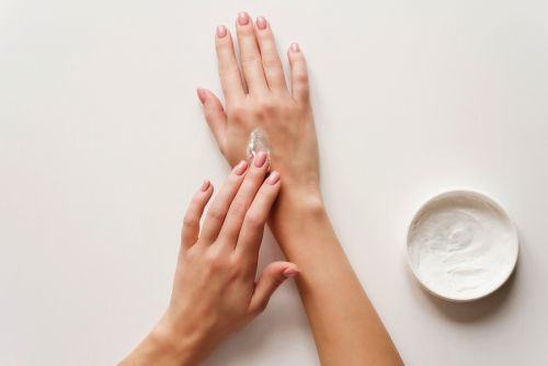 How to Make Your Hands Age Better & Look Younger
