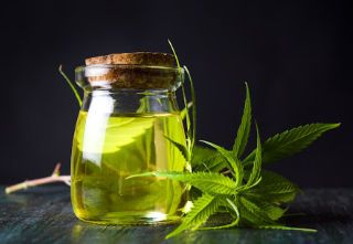 5 Hemp Oil Benefits For Health and Wellness