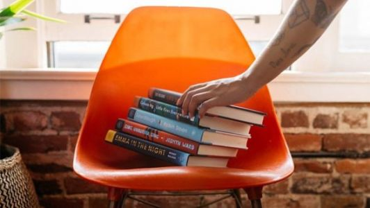 A Monthly Subscription Box For Book Lovers Finally Exists