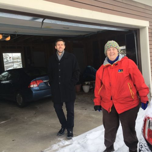 Who will shovel mom's walk? 'Virtual villages' help seniors stay independent: Living On