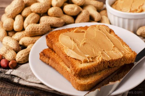4 Benefits of eating natural peanut butter before bed time