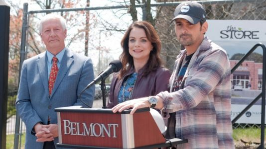 Brad Paisley And Wife Kimberly Break Ground On Free Grocery Store