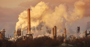 Air pollution linked to high blood pressure in children; other studies address air quality and the heart
