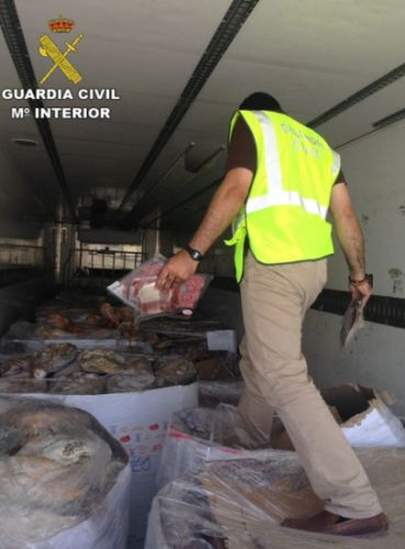 Spanish authorities seize meat; some expired in 2015