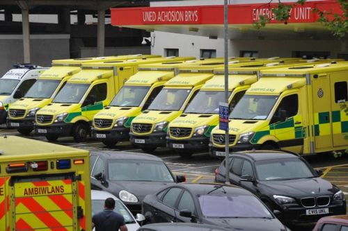 Welsh Ambulance Service warning as it experiences 'extreme pressure'