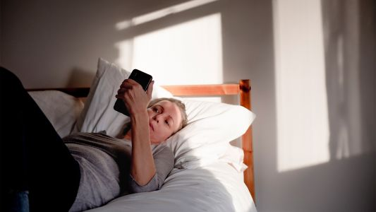 Therapy by Phone Helps Insomnia With Arthritis Pain