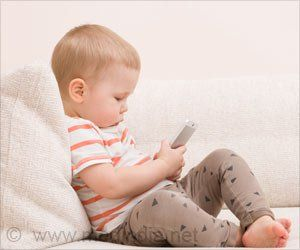 Using digital devices before bed may contribute to sleep and nutrition problems in children