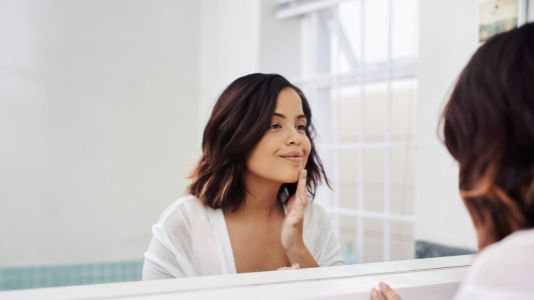 Get Your Glow Back with these Natural Remedies for Acne-Prone Skin