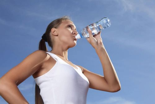 Does Hydration Play a Role in Fat Loss?
