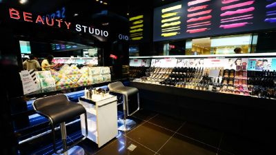 Brave Beauty: Sephora To Offer Free Makeup Classes For Cancer Patients