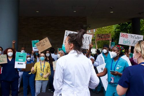 Doctors Rally in New York to Support Black Lives Matter Protests