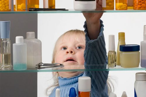 Kids' Opioid Poisonings Fall With Prescribing Limits