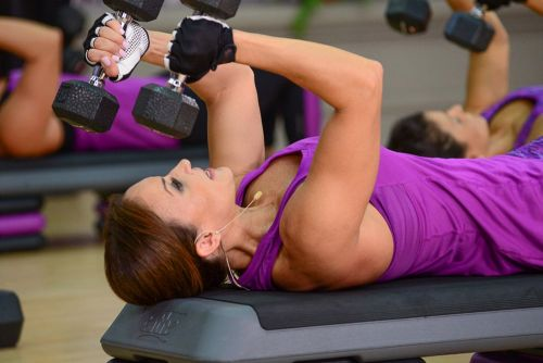 3 Powerful Benefits of the Dumbbell Pullover