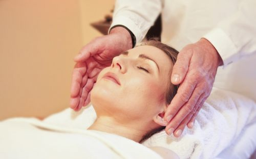 Reiki found to be more effective than drugs at treating lower back pain